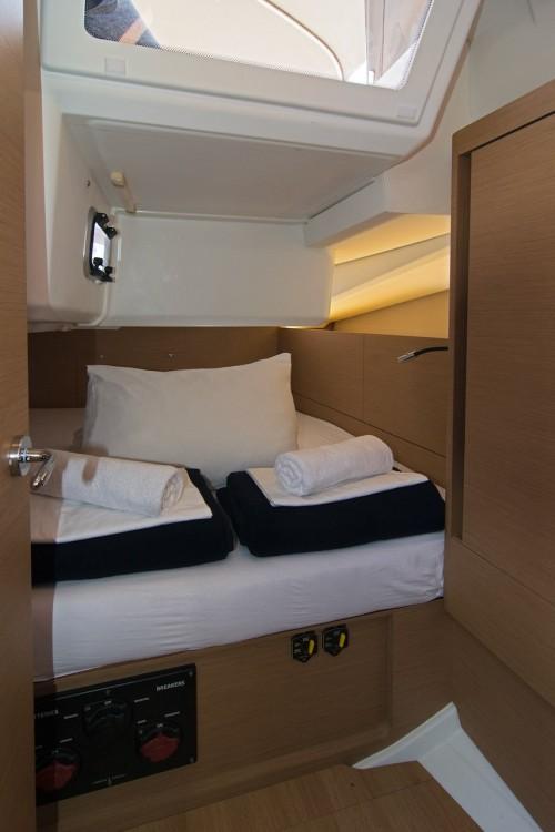 Boat rental Jeanneau Sun Odyssey 440 in ACI Marina Split on Samboat
