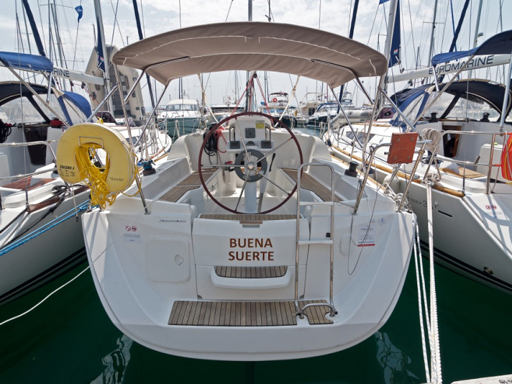 Boat rental Jeanneau Sun Odyssey 33i in ACI Marina Split on Samboat