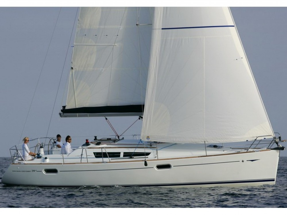 Jeanneau Sun Odyssey 39i between personal and professional Split