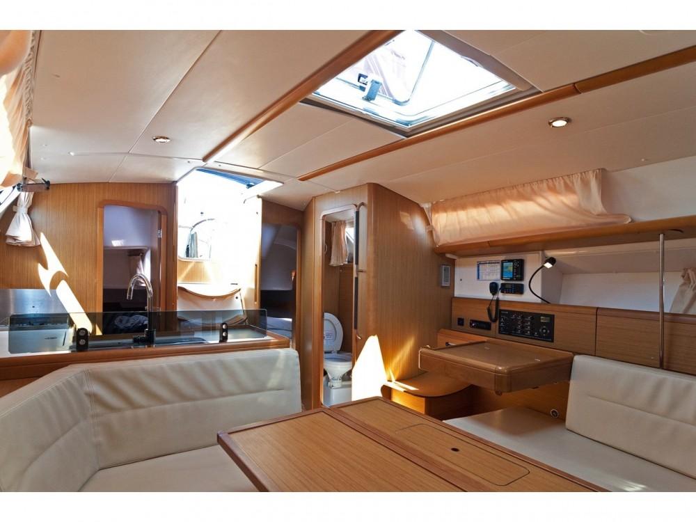 Rental yacht Split - Jeanneau Sun Odyssey 39i on SamBoat