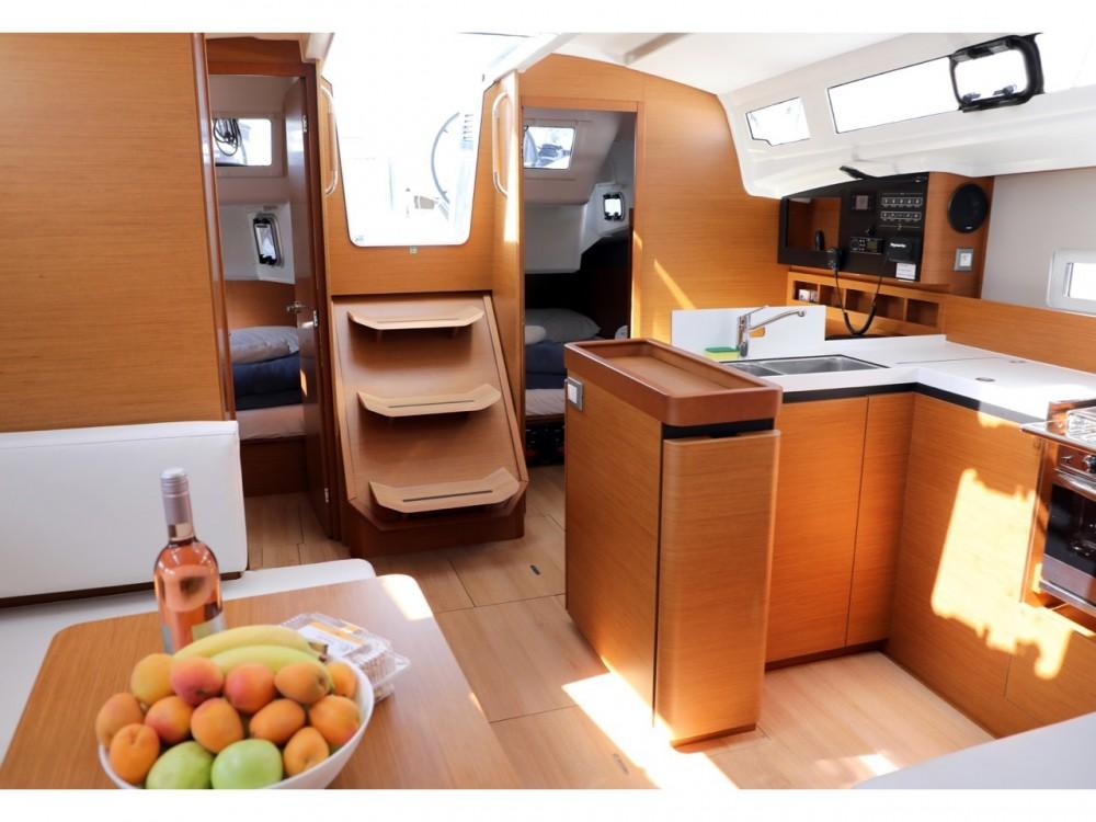 Boat rental Pula cheap Sun Odyssey 410