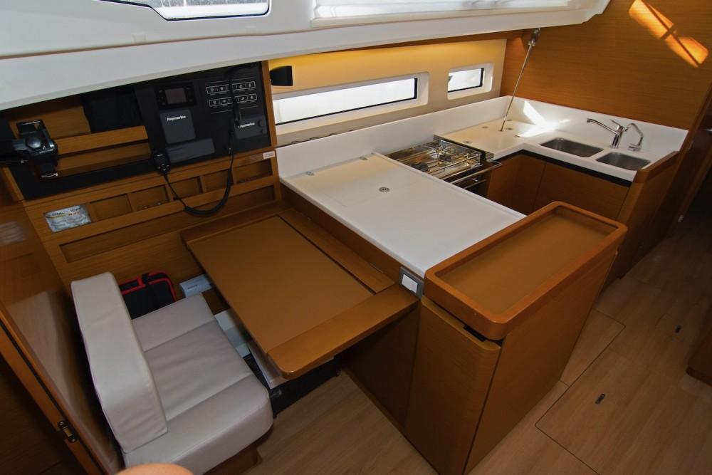 Boat rental Jeanneau Sun Odyssey 440 in Split on Samboat