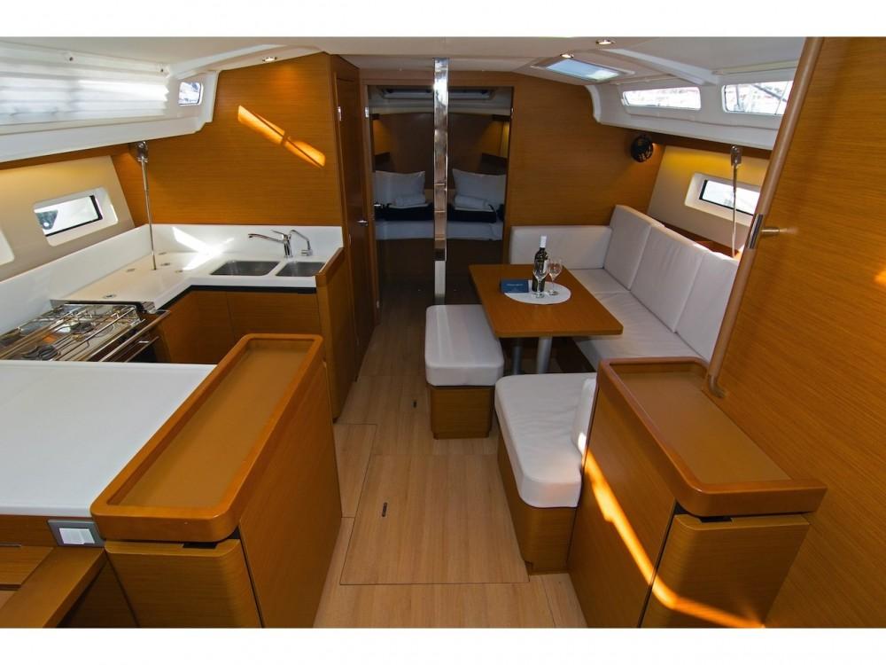 Rent a Jeanneau Sun Odyssey 440 Split