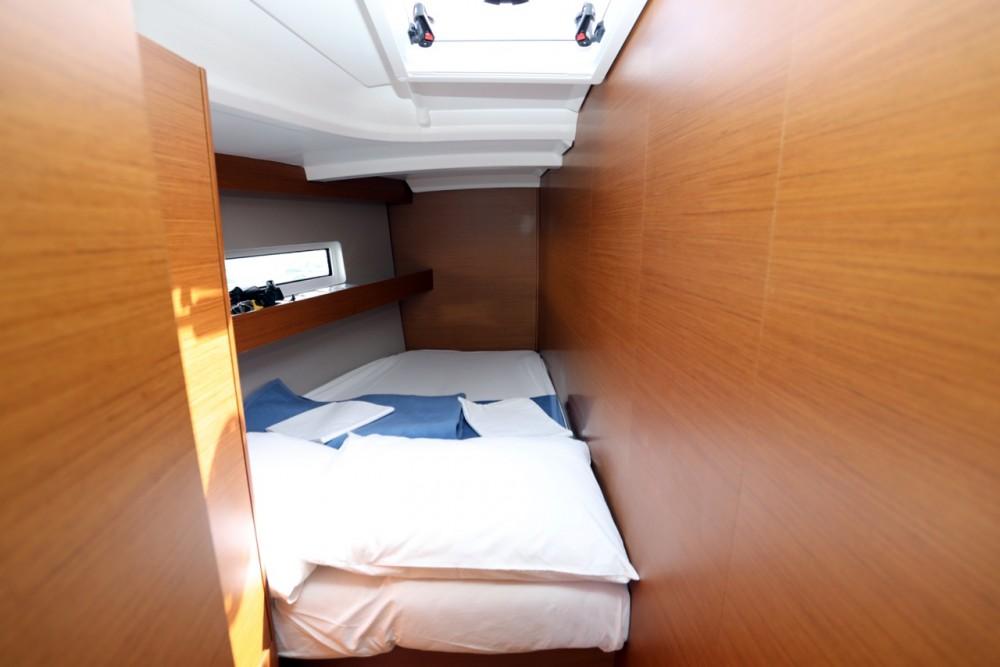 Boat rental Grad Pula cheap Sun Odyssey 440