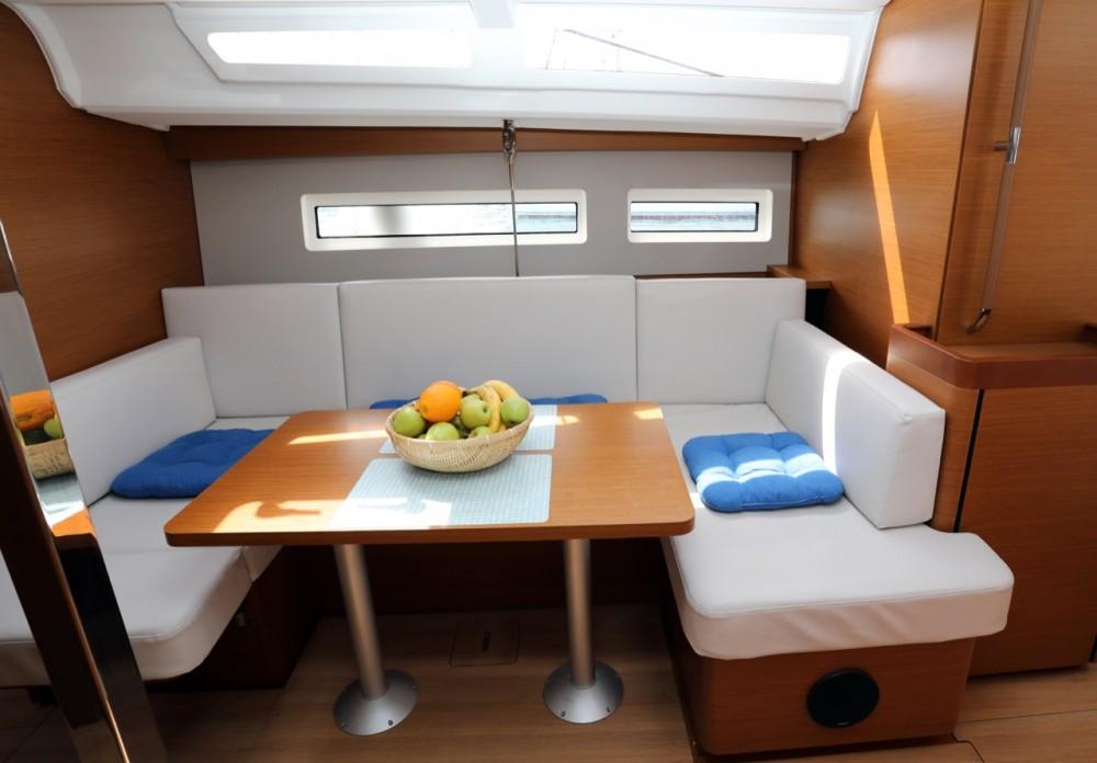 Boat rental Jeanneau Sun Odyssey 440 in Pula on Samboat