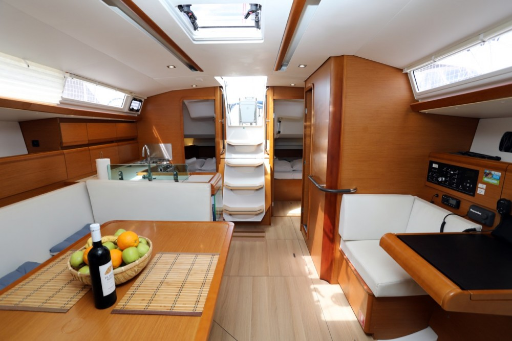 Rental Sailboat in Grad Pula - Jeanneau Sun Odyssey 449