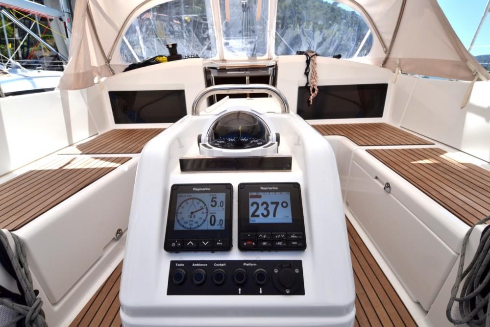 Boat rental Jeanneau Sun Odyssey 440 in Komolac on Samboat