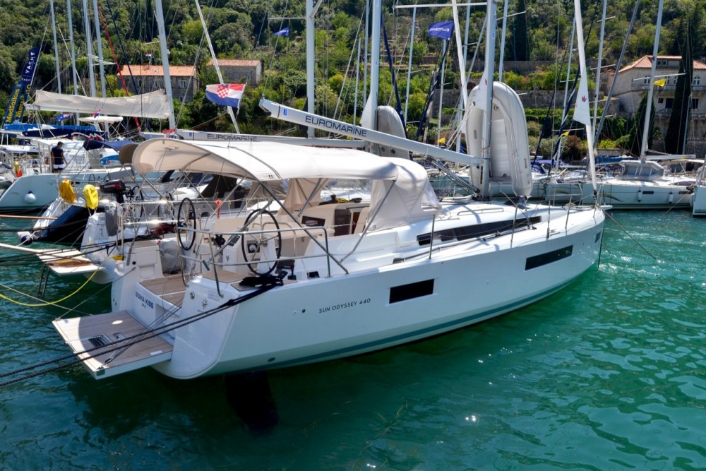 Rental yacht Komolac - Jeanneau Sun Odyssey 440 on SamBoat