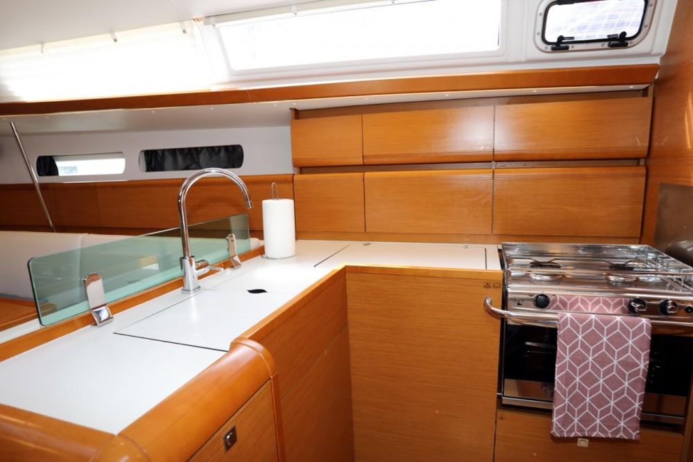 Rental yacht Grad Pula - Jeanneau Sun Odyssey 449 on SamBoat