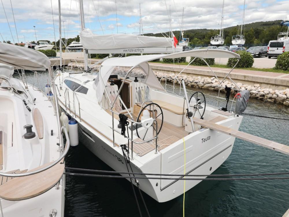 Boat rental Sukošan cheap Cobra 38