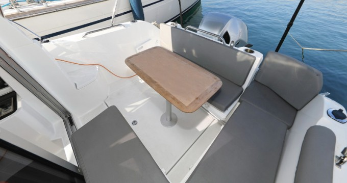 Hire Motorboat with or without skipper Bénéteau Sukošan