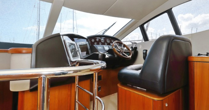 Hire Motorboat with or without skipper Sunseeker Sukošan