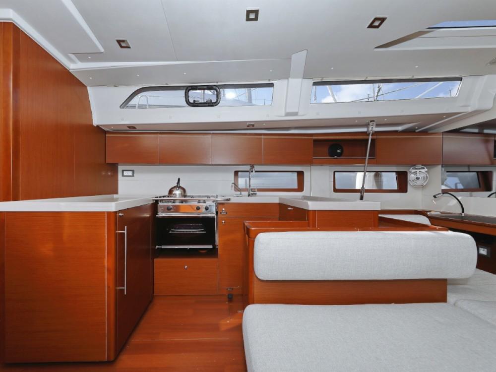 Boat rental Bénéteau Oceanis 51.1 in Sukošan on Samboat