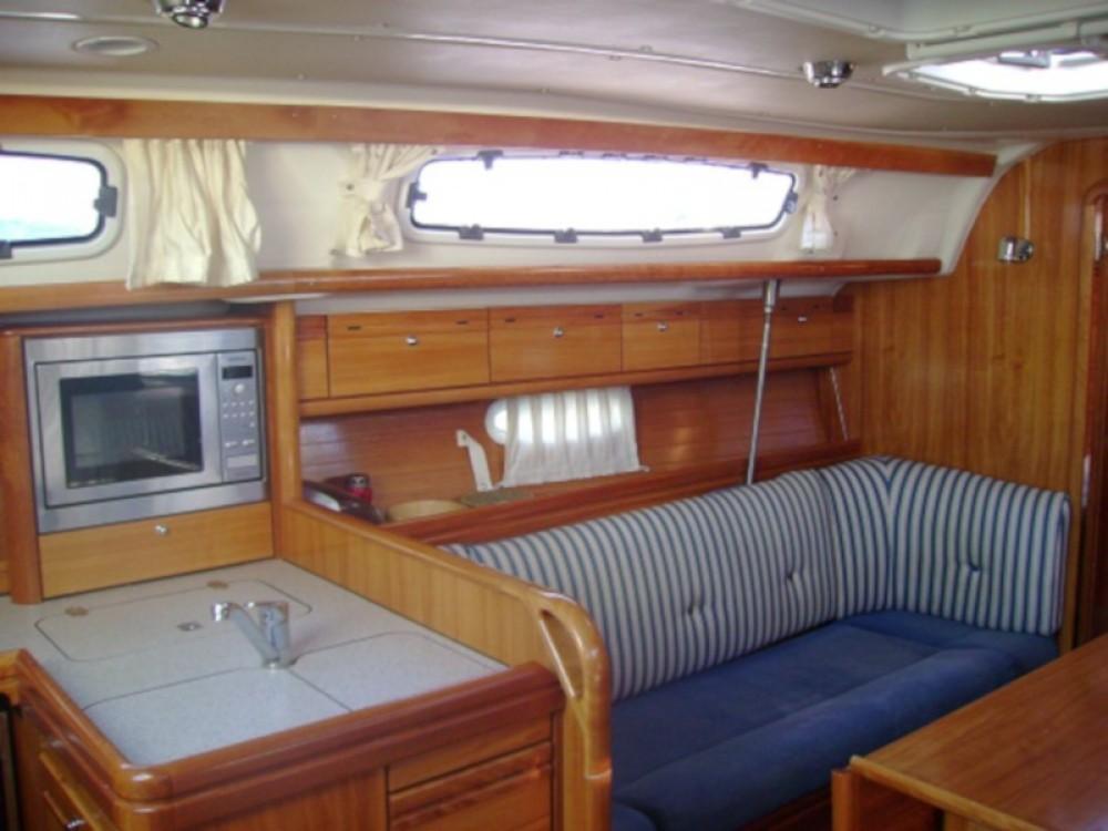 Boat rental Bavaria Bavaria 38 Cruiser in Marina Kornati on Samboat