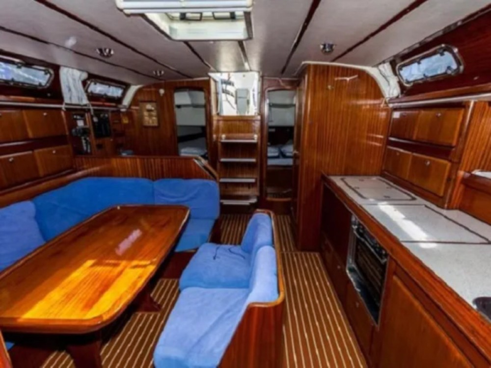 Rent a Bavaria Bavaria 42 Cruiser Trogir