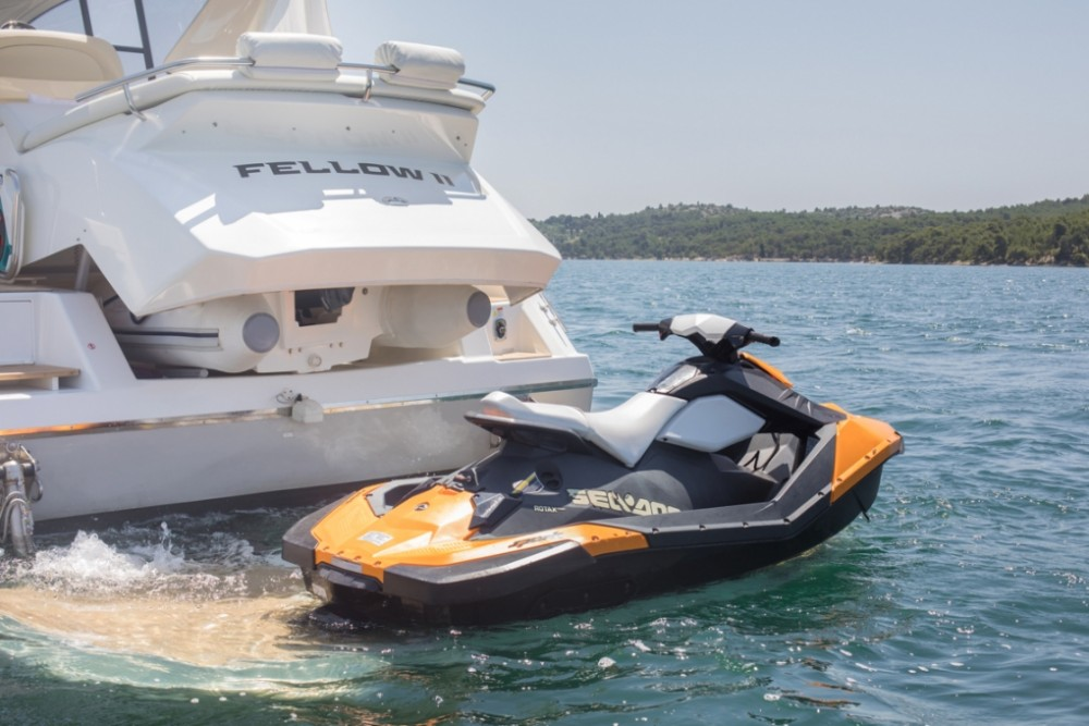 Motor boat for rent Šibenik at the best price