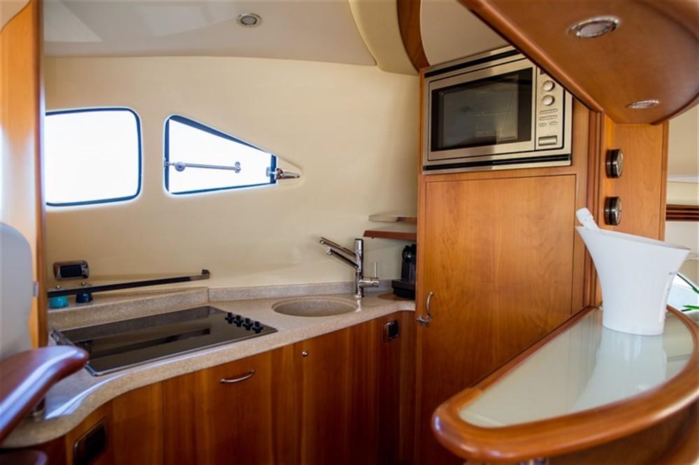 Boat rental Aicon Aicon 56 S Fly in Sibenik on Samboat