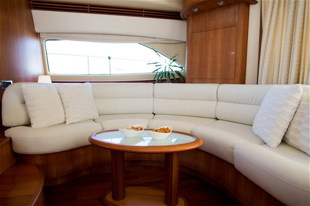 Rental Motor boat Aicon with a permit