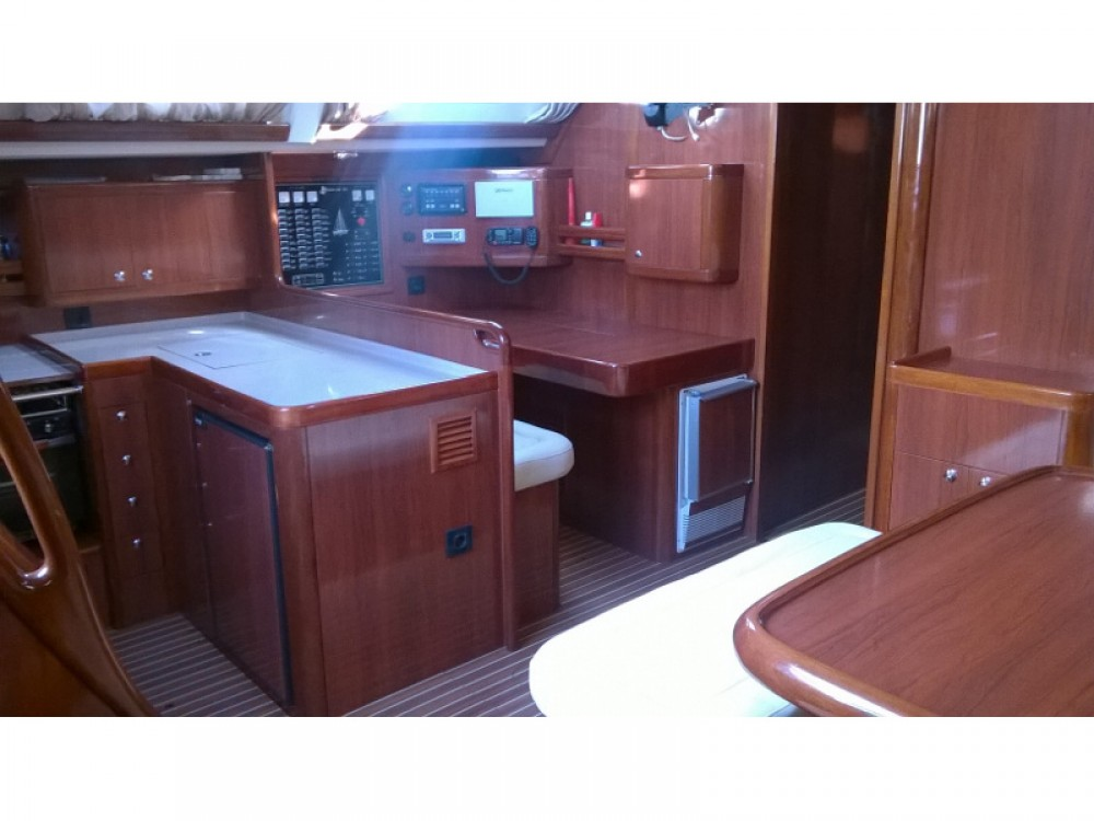 Hire Sailboat with or without skipper Ocean Alimos Marina
