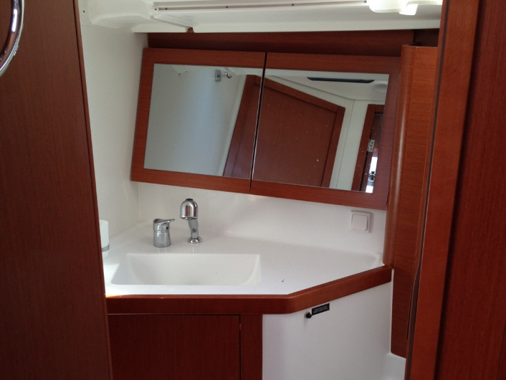 Bénéteau Oceanis 45 between personal and professional PREVEZA MARINA