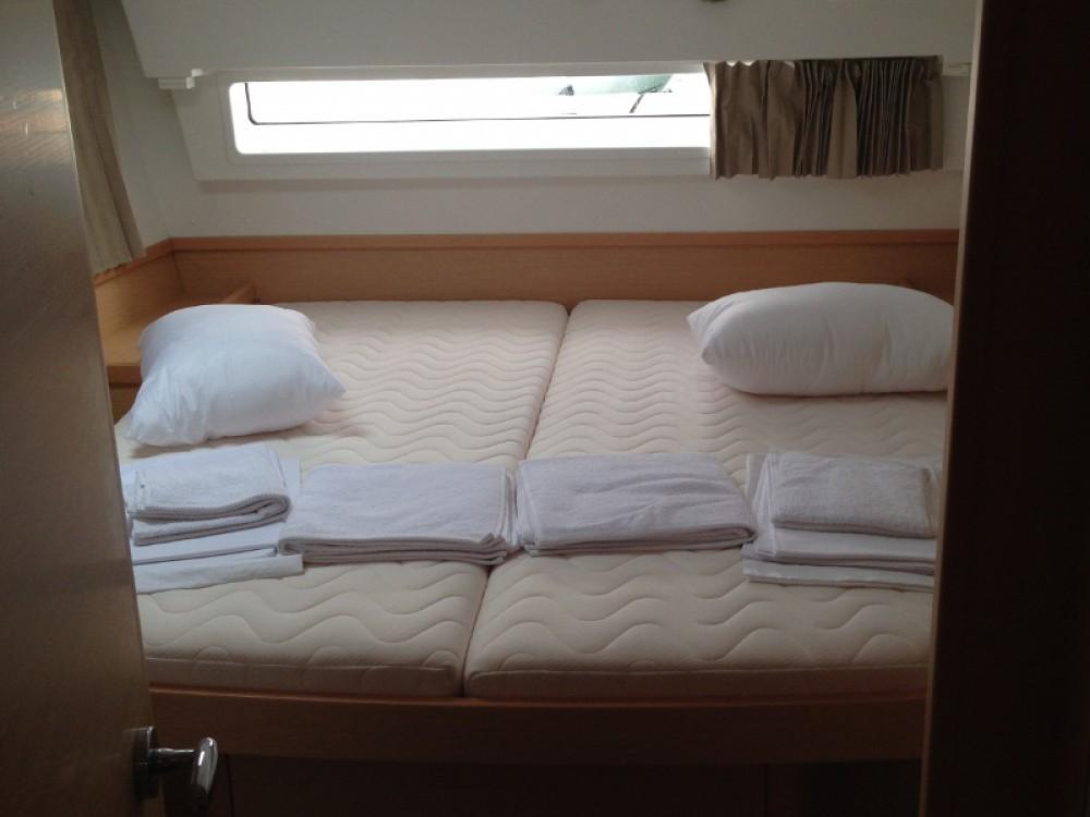 Rental Catamaran in Alimos Marina - Lagoon Lagoon 42