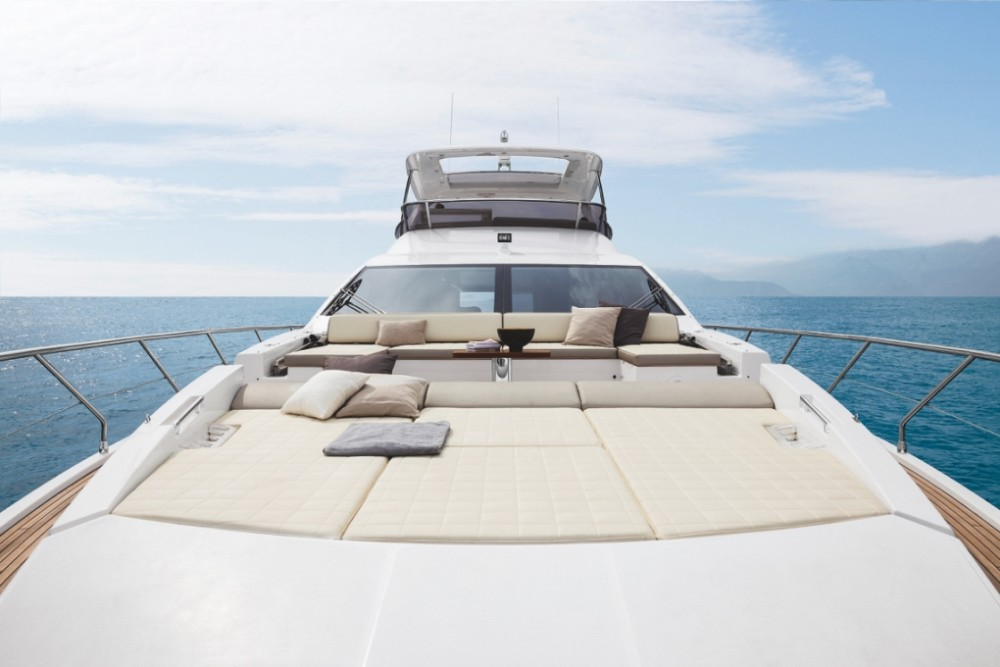 Boat rental Azimut Azimut 72 in  on Samboat