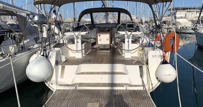 Rental yacht Lávrio - Bavaria Cruiser 45 on SamBoat