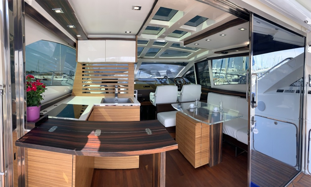 Rent a Absolute Absolute 52 Laurium