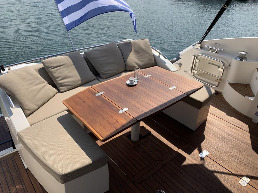 Rental Motorboat in Laurium - Absolute Absolute 52