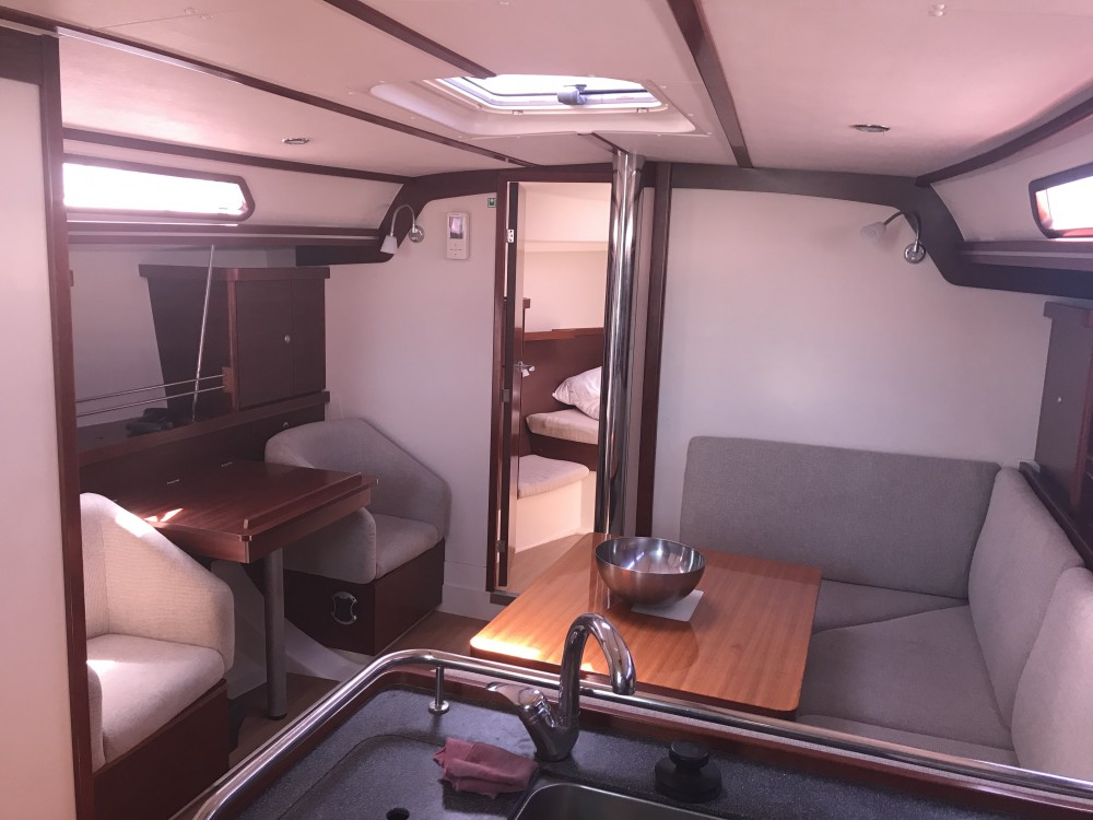 Boat rental Hanse Hanse 400 in Laurium on Samboat