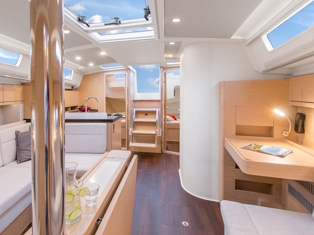 Rental yacht Laurium - Hanse Hanse 418 on SamBoat