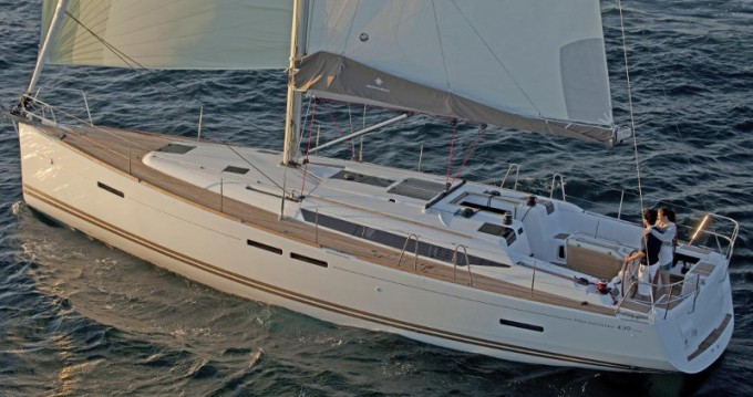 Jeanneau Sun Odyssey 439 between personal and professional Lávrio