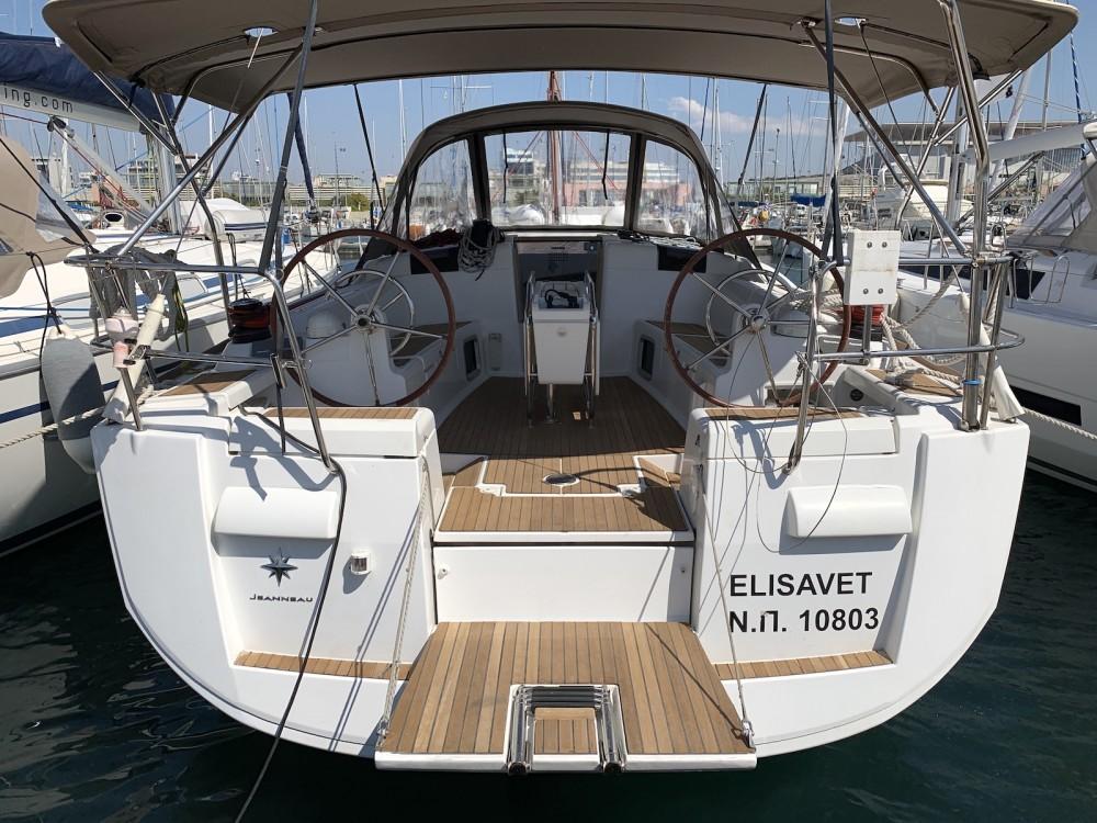 Rental Sailboat in Laurium - Jeanneau Sun Odyssey 439