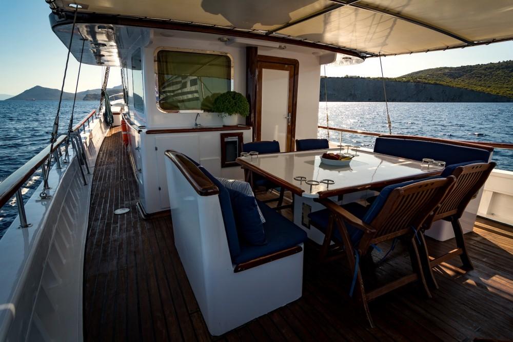 Rental yacht Alimos Marina -  Joanna K on SamBoat