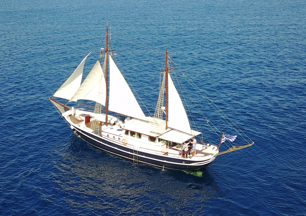 Rental yacht Álimos -  Joanna K on SamBoat