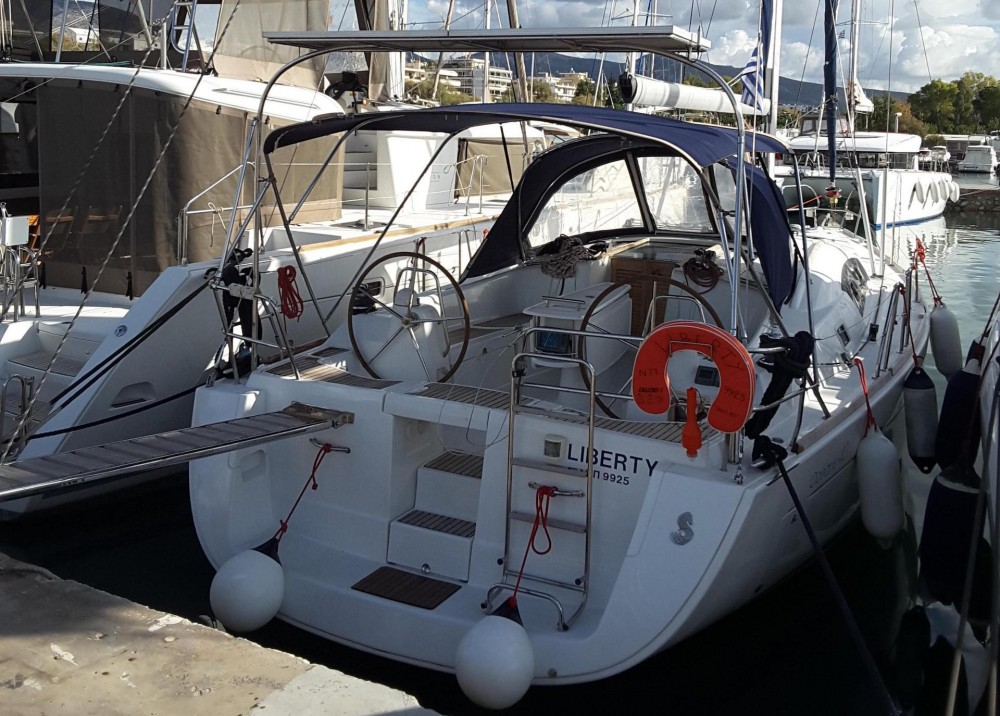 Hire Sailboat with or without skipper Bénéteau Laurium