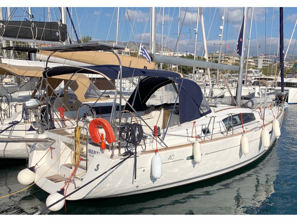Rental Sailboat in Laurium - Bénéteau Oceanis 40