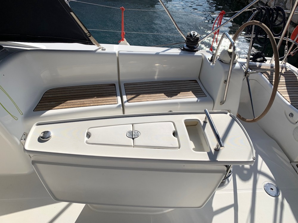 Boat rental Laurium cheap Oceanis 40