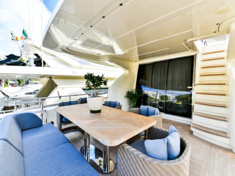 Rental Yacht in Marina Zeas -  Amer 92