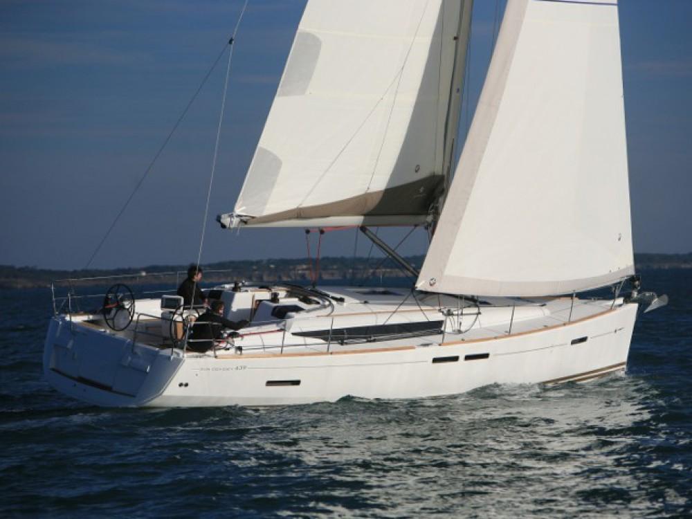 Boat rental  cheap Sun Odyssey 439