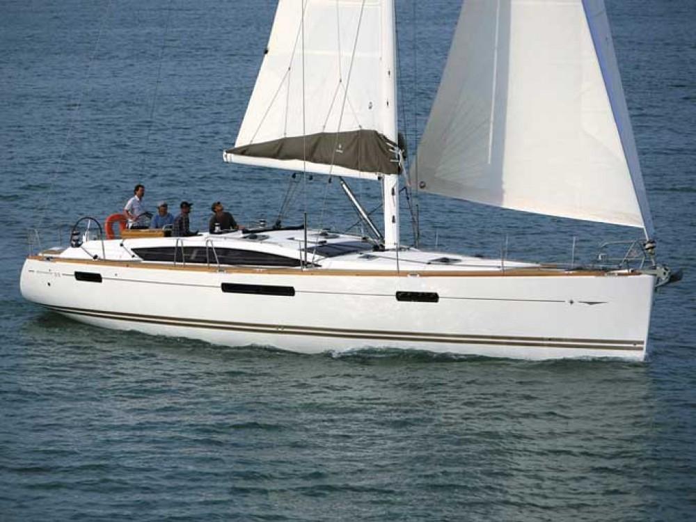 Rental yacht Álimos - Jeanneau Jeanneau 53 on SamBoat