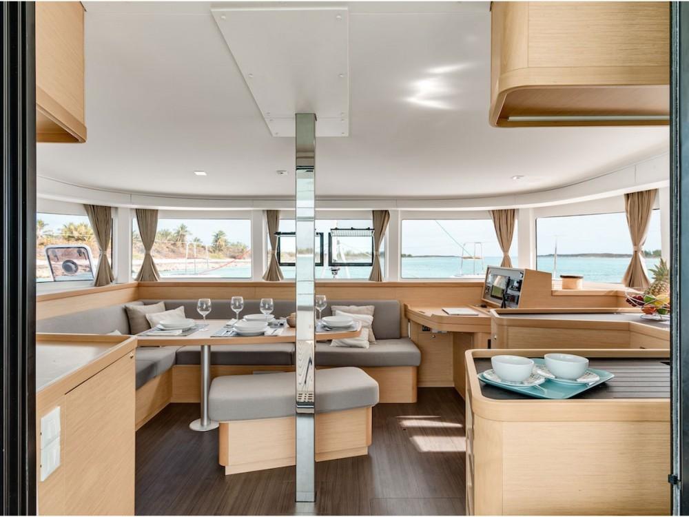 Boat rental Sochi cheap Lagoon 42