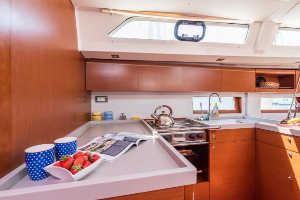 Rental Sailboat in ACI marina Pomer - Bénéteau Oceanis 51.1
