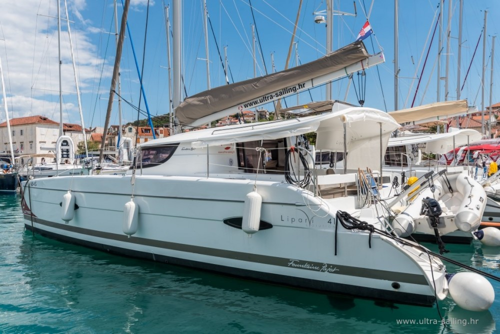 Boat rental Fountaine Pajot Lipari 41 in Seget Donji on Samboat