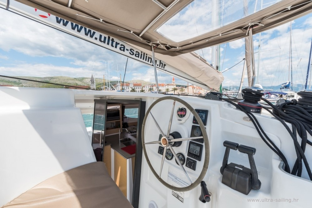 Rent a Fountaine Pajot Lipari 41 Seget Donji