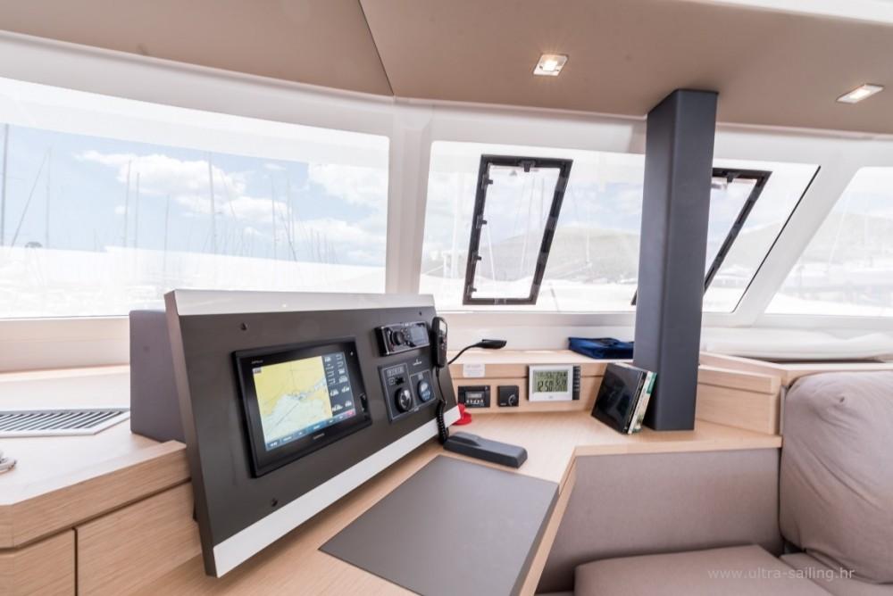 Rental yacht Seget Donji - Fountaine Pajot Saona 47 quintet on SamBoat