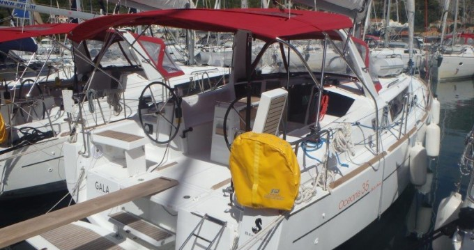 Rental yacht Split - Bénéteau Oceanis 35 on SamBoat