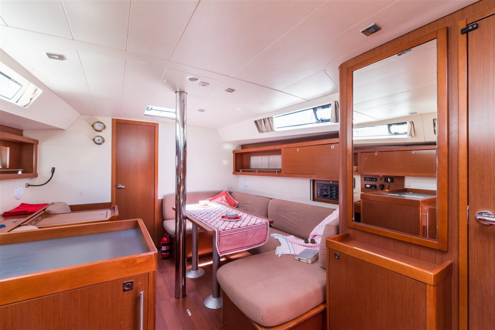 Rental yacht Pomer - Bénéteau Oceanis 41 on SamBoat