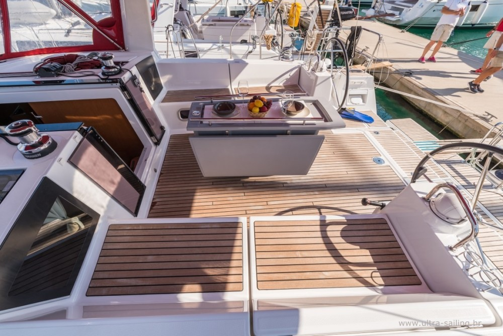 Rental Sailboat in Split - Bénéteau Oceanis 45