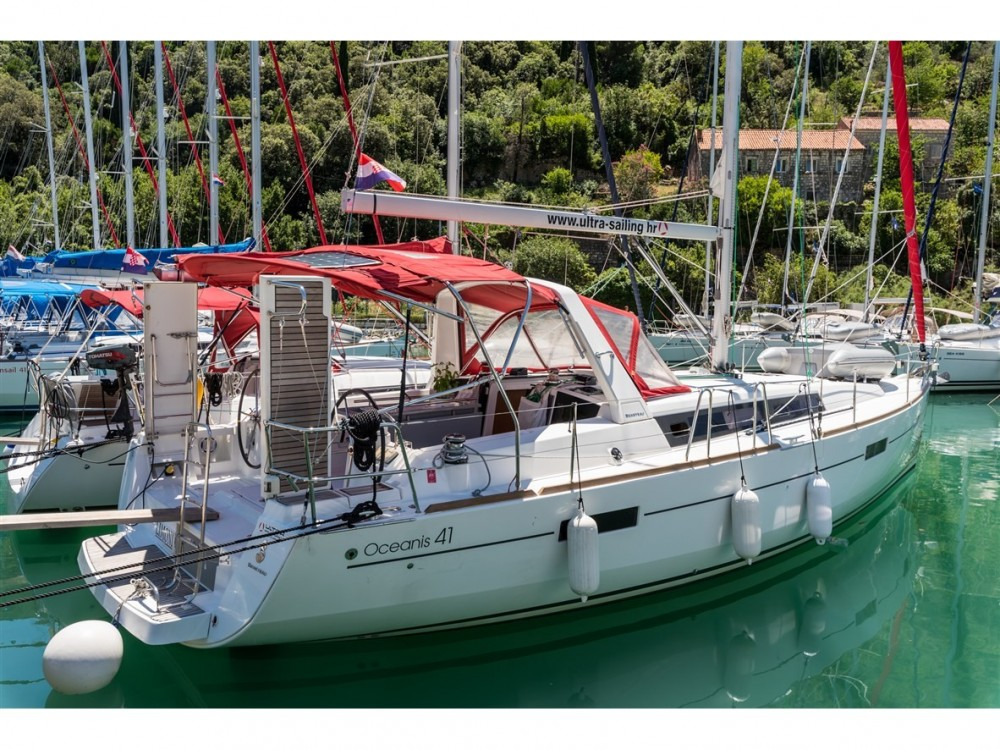 Bénéteau Oceanis 41 between personal and professional Pomer